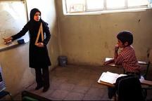 در روستاهای شهرستان سروآباد کمبود معلم نداریم