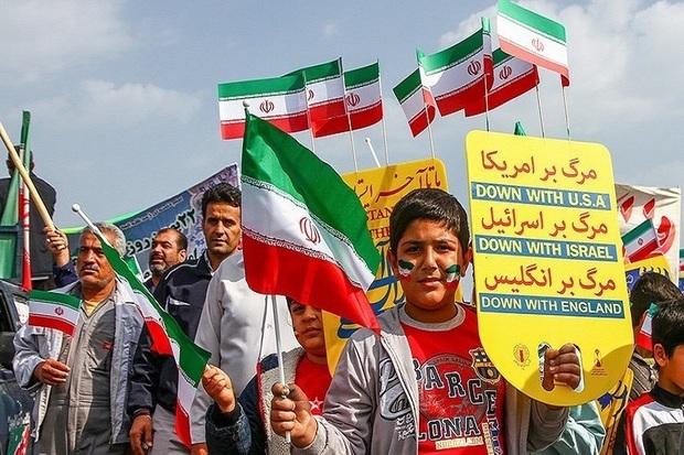 حضور در راهپیمایی 22 بهمن دفاع از دستاوردهای انقلاب است