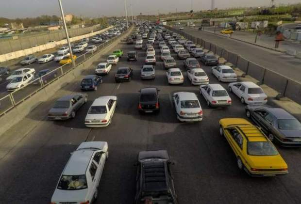 ترافیک در تمام محورهای مواصلاتی قم روان است