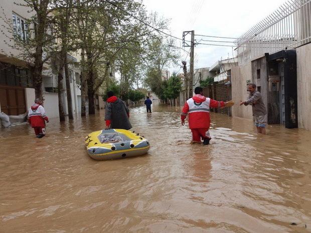هلال احمر ساوه آمادگی ارسال کمکهای مردم به سیل زدگان را دارد