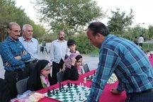 مسابقه شطرنج یک نفر با چند نفر در میبد برگزار شد