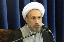 امام جمعه شیراز: خون شهید دستغیب مانع تحریف انقلاب شد