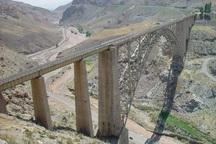 قطار باری ایران _ ترکیه در خوی واژگون شد  مسیر بازگشایی می شود