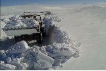 برف و کولاک  راه ارتباطی 60 روستای شهرستان هشترود را مسدود کرد