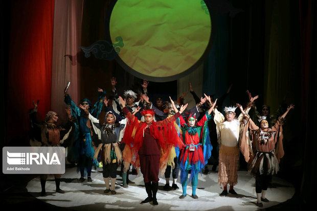 قطار جشنواره تئاتر کودک با ۱۳ نمایش به ایستگاه چهارم رسید