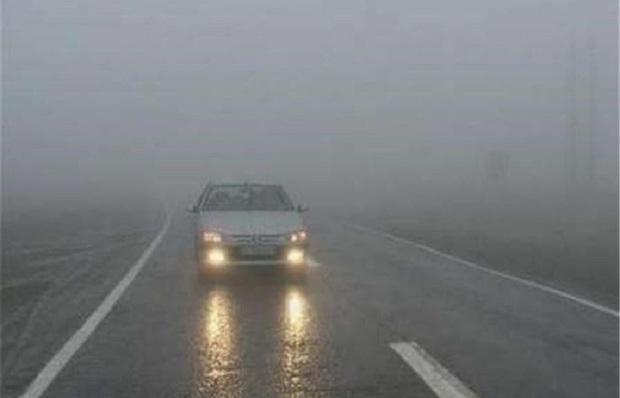 مه تردد خودروها را در خراسان شمالی مختل کرد