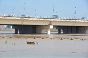 سیلاب برهای طبیعی اهواز تخریب شده اند
