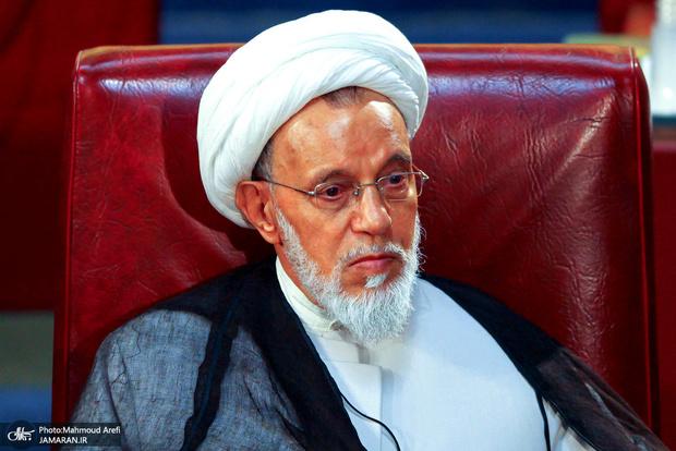 عضو مجلس خبرگان: گناه ظریف این است که خادم است نه خائن