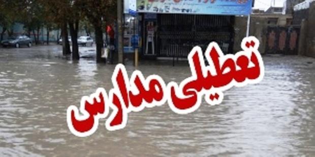 بارش باران مدارس نرماشیر را به تعطیلی کشاند