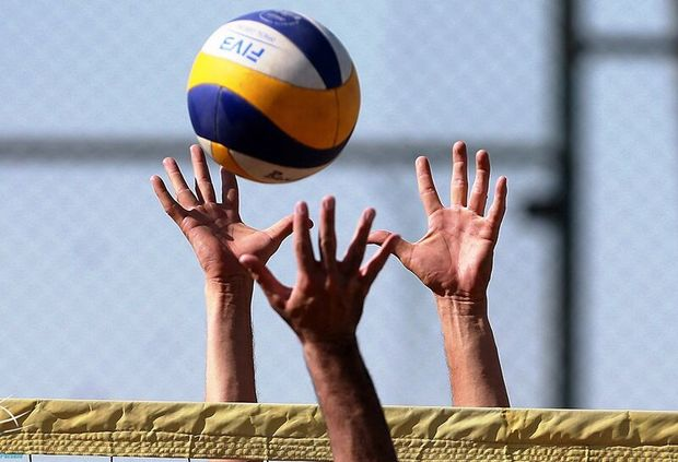 تیم والیبال دانشگاه آزاد اسلامی یزد بر خوزستان غلبه کرد