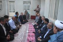 استاندار مرکزی: بقای ایران اسلامی مرهون خون شهدا است