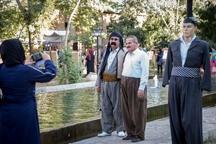 جشنواره مد و لباس کردی گامی موثر در ترویج لباس کردی است