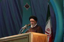روحانی با مدیریت سیاست های اقتصادی در جامعه آرامش ایجاد کند