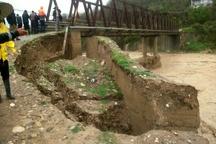 سیل و رانش زمین تردد 10 روستای بخش کلیجانرستاق را مختل کرد