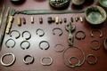 قاچاقچی 130 قطعه اشیاء عتیقه در خدابنده دستگیر شد