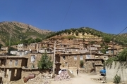 طرح بومگردی روستای پیاوین با حفظ بافت قدیمی اجرا میشود