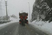 بارش برف در گردنه آوج به 10 سانتی متر رسید
