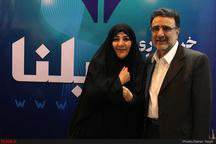 تاجزاده به همراه همسرش در حسینیه ارشاد حاضر شد