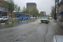کندی تردد در برخی محورهای آذربایجان غربی بر اثر بارش برف و باران