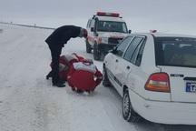 6 خودرو گرفتار در برف خراسان رضوی امدادرسانی شد