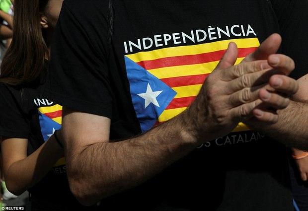 راهپیمایی بزرگ برای جدایی کاتالونیا از اسپانیا+ تصاویر