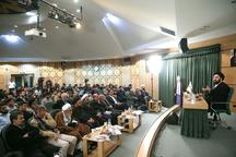 سید علی خمینی: برای اصلاح جامعه لازم نیست در تریبون های عمومی به تندترین روش برخورد کنیم/ وقتی چیزی در جامعه ارزش نیست، داد زدن در مسجد و نماز جمعه فایده ندارد