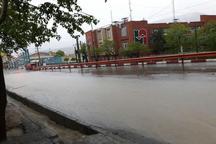 جاری شدن روان آب ها در معابر شهری سنندج