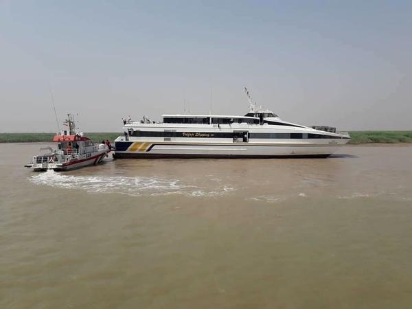کشتی مسافربری ایران-کویت حوالی اروندکنار به گِل نشست