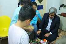 استاندار شب یلدا را در جمع کودکان بی سرپرست گیلان سپری کرد