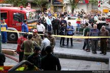 مهار آتشسوزی انبار ضایعات توسط آتشنشانان شهرداری لاهیجان