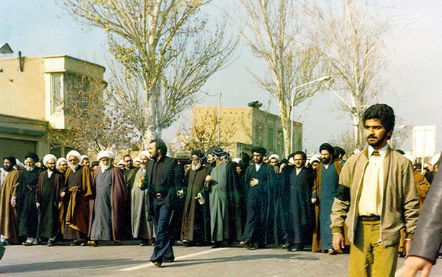 نگاهی به خروش انقلابیون مشهد در آذر و دی ماه 57