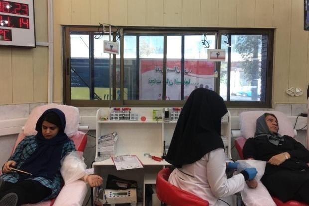 اهدای خون زنان را پر رنگ کنیم
