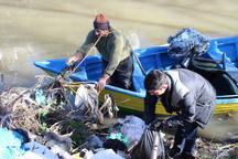 پاکسازی حاشیه رودخانه آستارا توسط دوستداران طبیعت