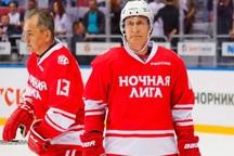 پوتین در مسابقه هاکی! + عکس