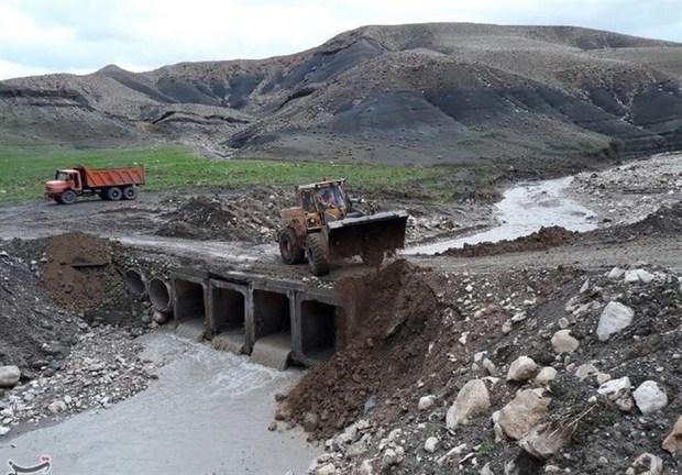 سیلاب به جاده های عشایری مسجدسلیمان خسارت وارد کرد