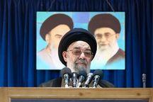 امام جمعه اصفهان: مسلمانان برای نجات از سلطه کفار وحدت داشته باشند