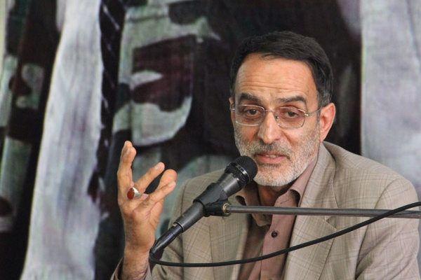 پیروزی انقلاب حاصل خون شهدا و فداکاری ملت است