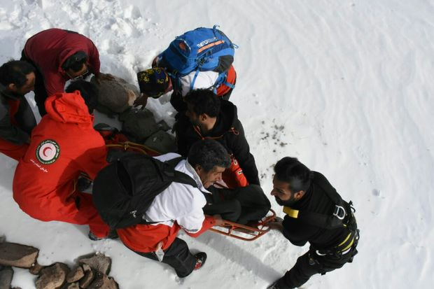 کوهنورد پرت شده در دره 150 متری تفتان خاش نجات یافت