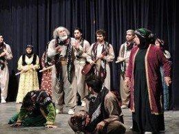 رقابت 11 گروه هنری در شانزدهمین جشنواره بینالمللی تئاتر کُردی در سقز