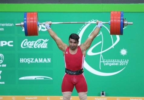 قهرمان وزنه برداری جام فجر: در مسابقات آسیایی بهتر کارمی کنم