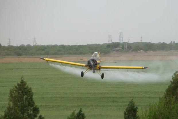 6 هواپیمای سمپاش برای مقابله با ملخ های صحرایی آماده است