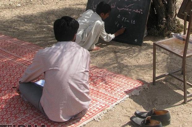 تحصیل در روستاهای دور افتاده دستاورد مهم انقلاب اسلامی است
