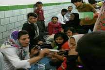 پزشک دزفولی سیلزدگان را رایگان ویزیت می کند