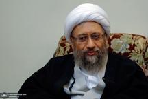 آیتالله آملی لاریجانی: در برابر فشارها و توصیهها از استقلال قوهقضاییه عقب نشینی نکردهام