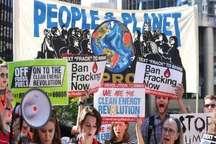 راهپیمایی در شیکاگو در اعتراض به خروج آمریکا از پیمان پاریس