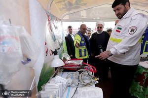 بازدید روحانی از ایستگاه سلامت اورژانس و پایگاه امداد و نجات جاده ای