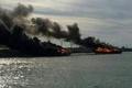 آتشسوزی 2 فروند لنج باری در بندر عامری بوشهر  علت حادثه در دست بررسی است
