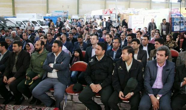شب شعر فجر انقلاب در مهریز برگزار شد