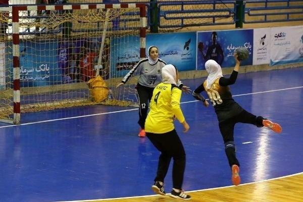 برگزاری مسابقات شوت هندبال دختران در شهرستان البرز