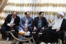 امام جمعه کرمانشاه خواستار برخورد با تخلفات اداری شد